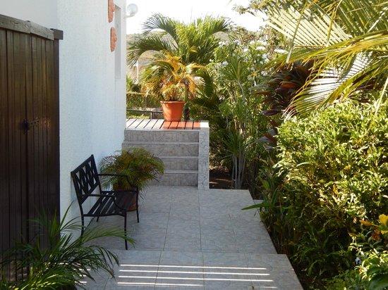 Country Inn : Garden seating area