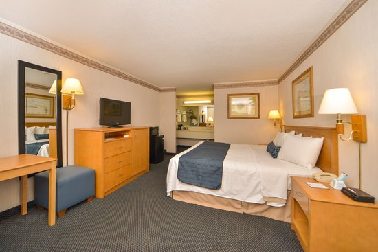 Days Inn Jefferson: 1 king size bed