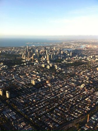 Global Ballooning - Melbourne and Yarra Valley : Ballooning over Melbourne CBD