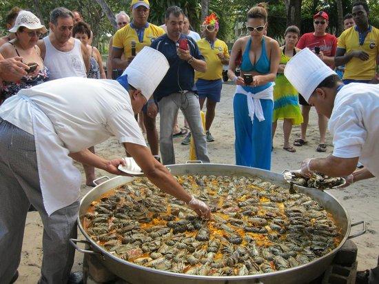 Iberostar Costa Dorada: fun cooking on the beach