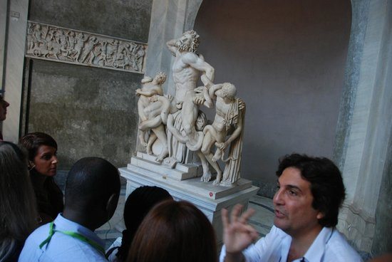 When In Rome Tours: Luigi in action