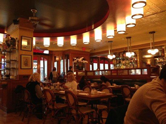 Pigalle : Restaurant from inside