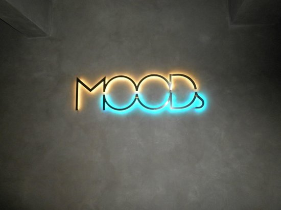 MOODs Boutique Hotel: The reception area
