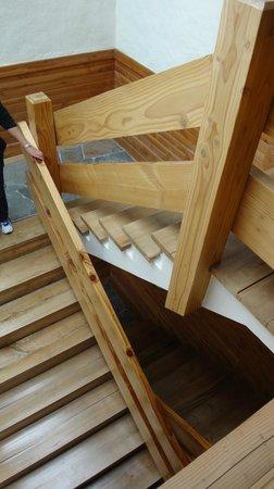 Petrohué Lodge : Staircase (no lift)