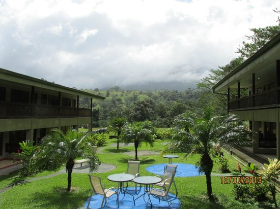 Hotel Lavas Tacotal: The view towards the volcano