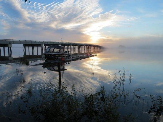 Six Mile River Resort: Sunrise on the Tagish Bridge