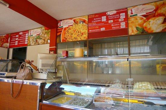 La Mamma Pastas and Salsas: el local