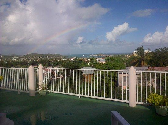 Caribbean Inn: refreshing rainbow view