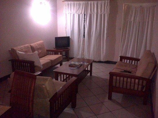 Caribbean Inn: relaxing living room
