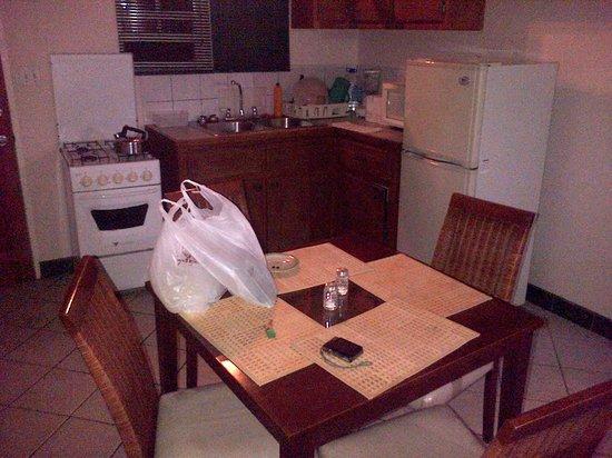Caribbean Inn : kitchen area