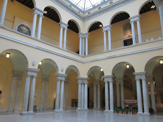 The Walters Art Museum: Looking up from the sculpture hall.