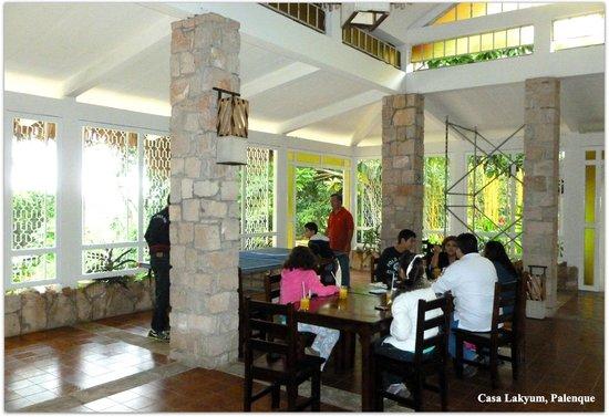 Casa Lakyum: Reception/dining area