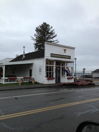 The Bair Bistro at The Bair Drug & Hardware: Drizzly cold January day