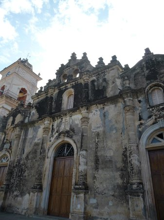 Iglesia de La Merced: Outside of church