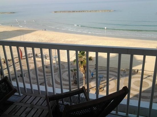 Sea Executive Suites: The view from the balcony