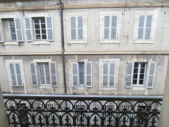 Hotel Le Chambellan: View - Straight Ahead