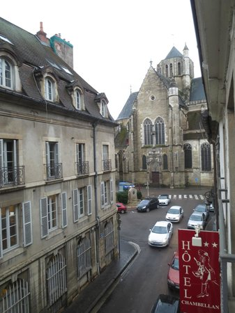 Hotel Le Chambellan: View - Down the Street
