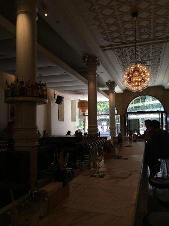 Establishment Hotel : Lobby bar