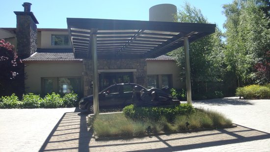 El Casco Art Hotel: Entrance