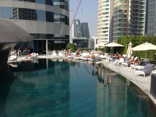 W Bangkok: Pool area - gets the sun all day long, even in winter