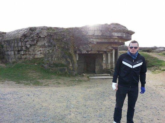 Normandy Sightseeing Tours: Bunker Nazi en Pointe du Hoc