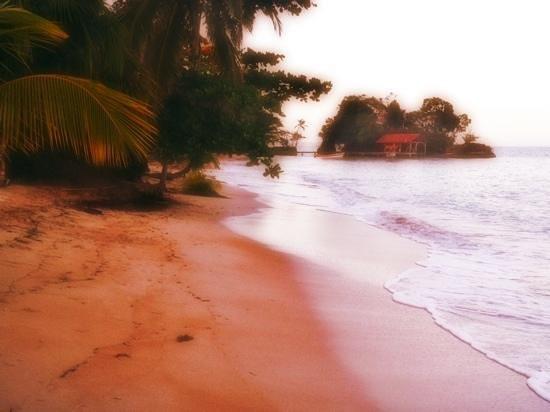 Popa Paradise Beach Resort: the beach