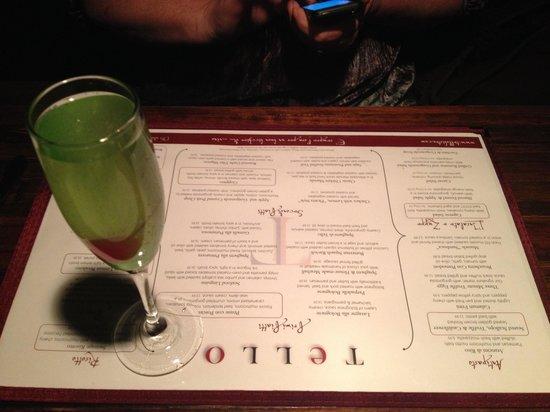 Tello Italian Bistro: Proseco drink