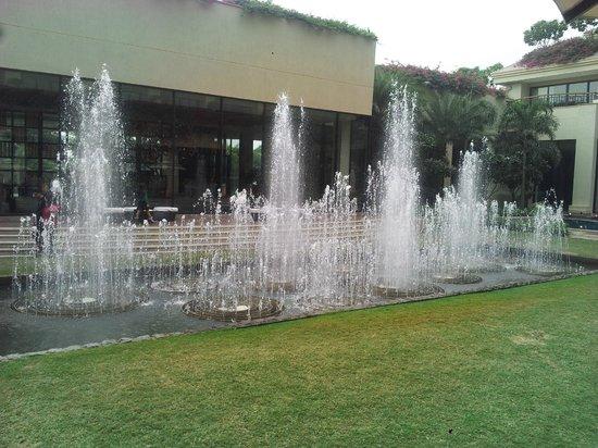 Vivanta by Taj, Surajkund : Fountain area