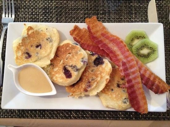 Sheridan House Inn: lemon-blueberry pancakes