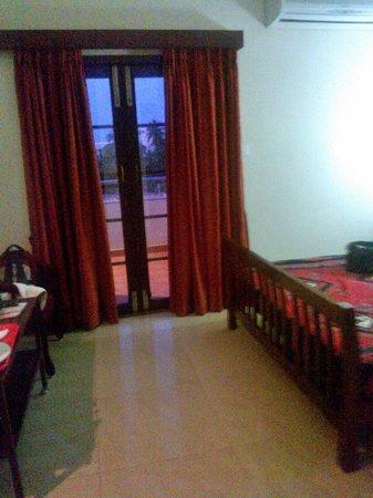 Pondicherry Executive Inn Pvt Ltd : View to the sit out