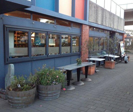 Exterior of Plato restaurant