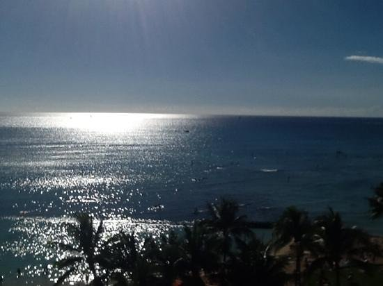 Aston Waikiki Circle Hotel : yes, this is the view!