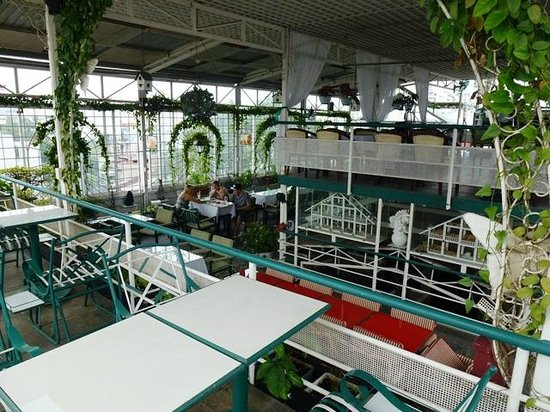 Minh Chau Hotel: Roof Top Dining
