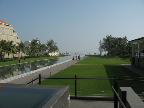 Pullman Danang Beach Resort: View from Infinite Bar
