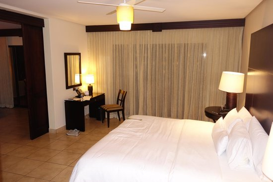 The Westin Golf Resort & Spa, Playa Conchal - An All-Inclusive Resort : Bedroom King Size Bed
