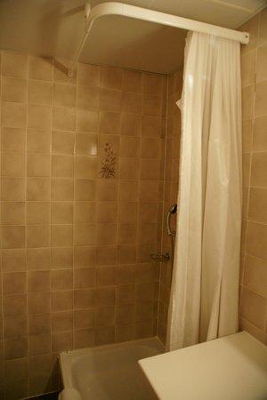 Hotel Bellaval: シャワーブース