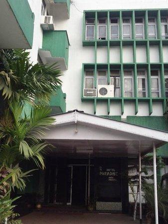 Hotel Paradise: 入口