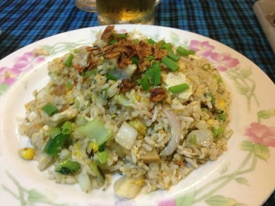 Boatman Restaurant : Vegetable fried rice - not on the menu, but can be asked for