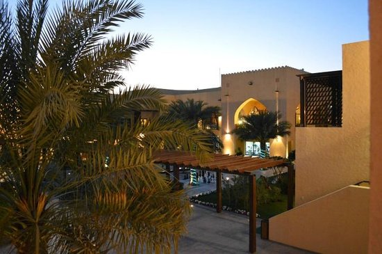 Tilal Liwa Hotel: Hotel view from the room