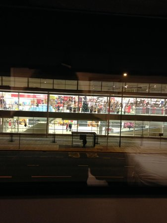 Chesters Hotel and Restaurant : view of tesco extra from bedroom window!!