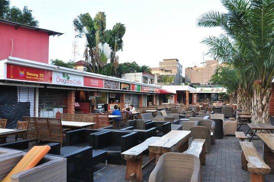 favehotel Kemang: in Kemang town