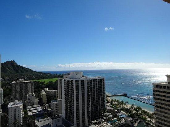 Pacific Beach Hotel : ベランダから見える景色