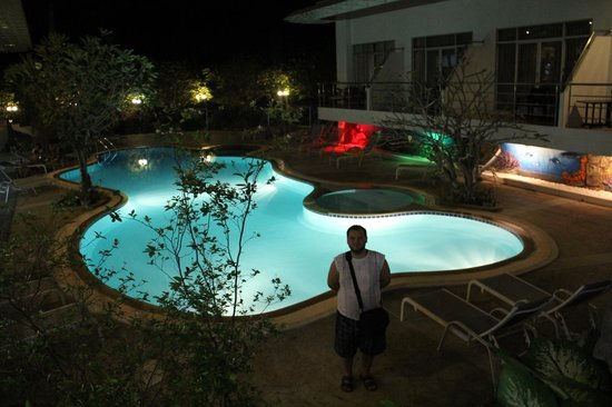 Samui First House Resort: бассейн