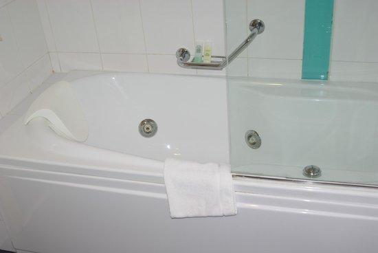 Hotel Juliani: Ванна-джакузи
