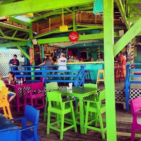 Barefoot Bar : Colorful Beach Bar