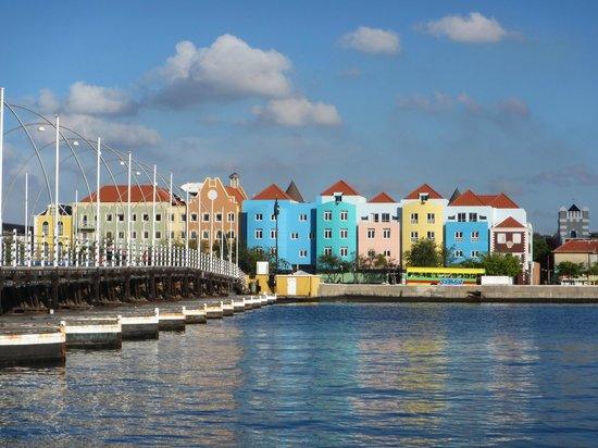 Avila Beach Hotel: Aussicht von Punda auf Otrabanda