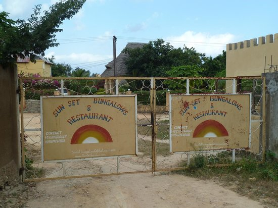 Sunset Kendwa : The entrance