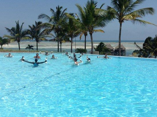 Melia Zanzibar : La piscina del Melià