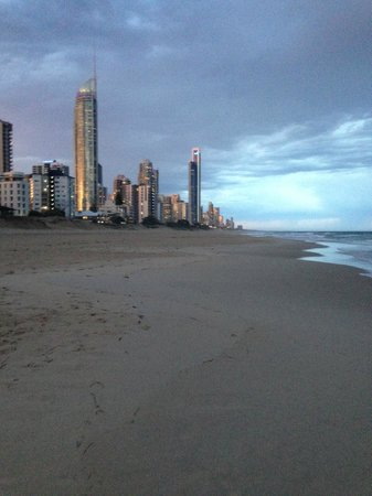 Surfer's Paradise Beach: The skyline at surfers