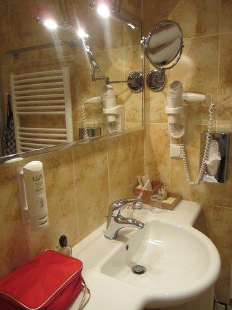Merchant's Yard Residence: ванная комната